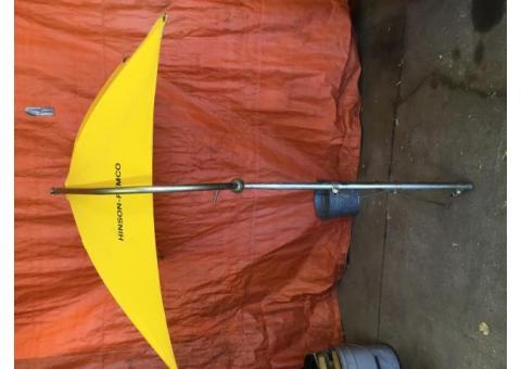 Universal Hinson-Femco Deluxe Weather Umbrella w/yellow cover